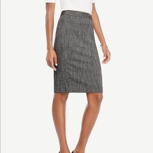 {ANN TAYLOR} Petite Herringbone Pencil Skirt
